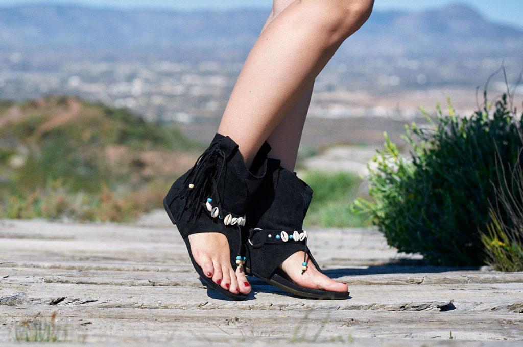 Sandalias boho negras